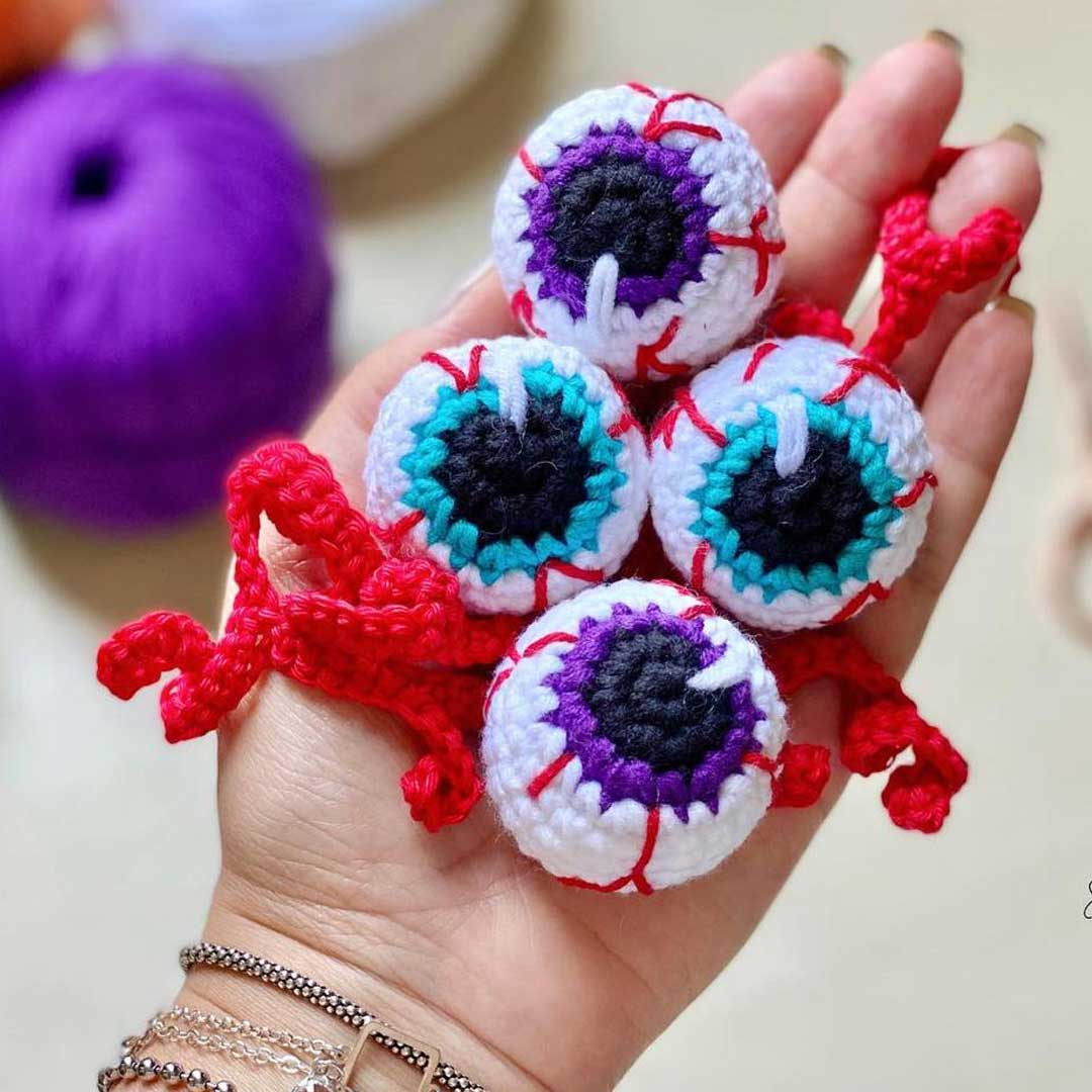 Olhos crochê esbugalhados – Fio Balloon Amigo